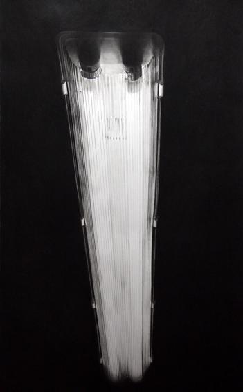 Sin Título (Fluorescente III) 2012, Carbón y lápiz sobre papel, 146 x 89 cm.