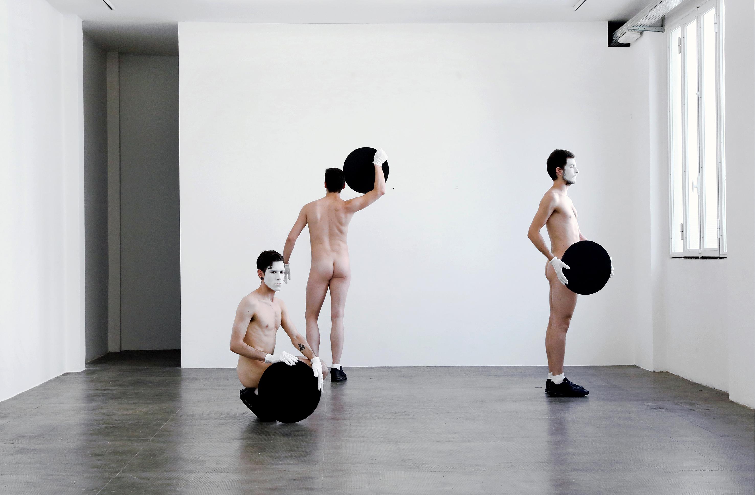 Mon Ami Pierrot Mon Ami, 2017 Performance Performers: Gian Maria Borzillo, Ruggero Griffini, Alessandro Simonini Photo: Sara Scanderebech